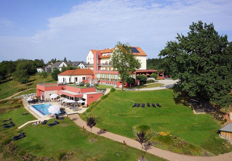 Das Eisenberg Natur Hotel in St. Martin an der Raab - Aussenansicht