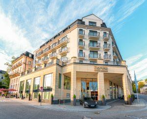 Dorint Maison Messmer Hotel Baden Baden - Aussenansicht bei Tag